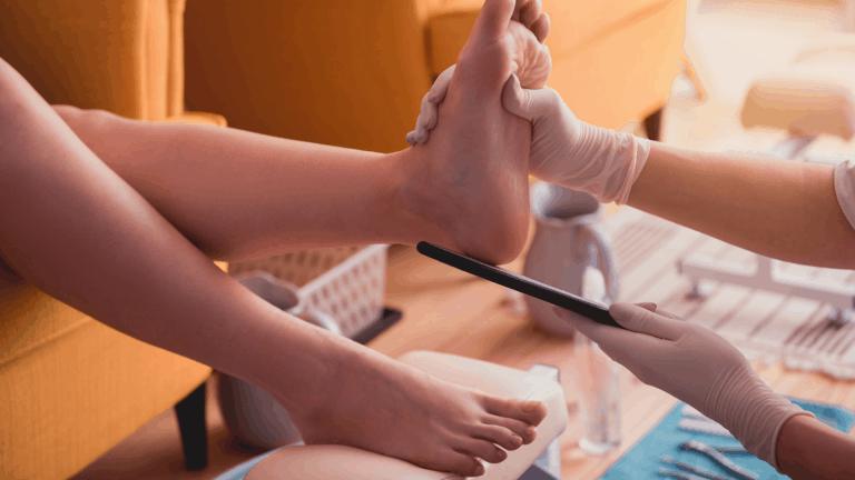 Fußpflegebehandlung